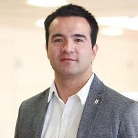 Prof Oscar González